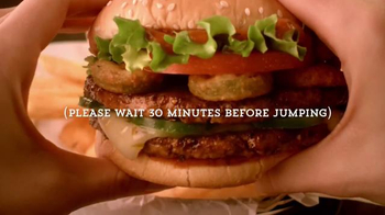 Red Robin Double Tavern Double Plus Deal TV Spot, 'Jump For Joy' - Thumbnail 7