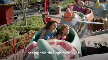Disney Parks & Resorts TV Spot, 'The Mansfield Family' - Thumbnail 10