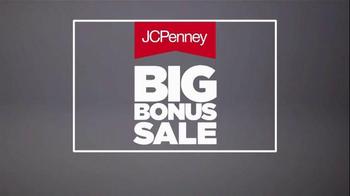 JCPenney Big Bonus Sale TV Spot, 'Athletic Apparel' - Thumbnail 4