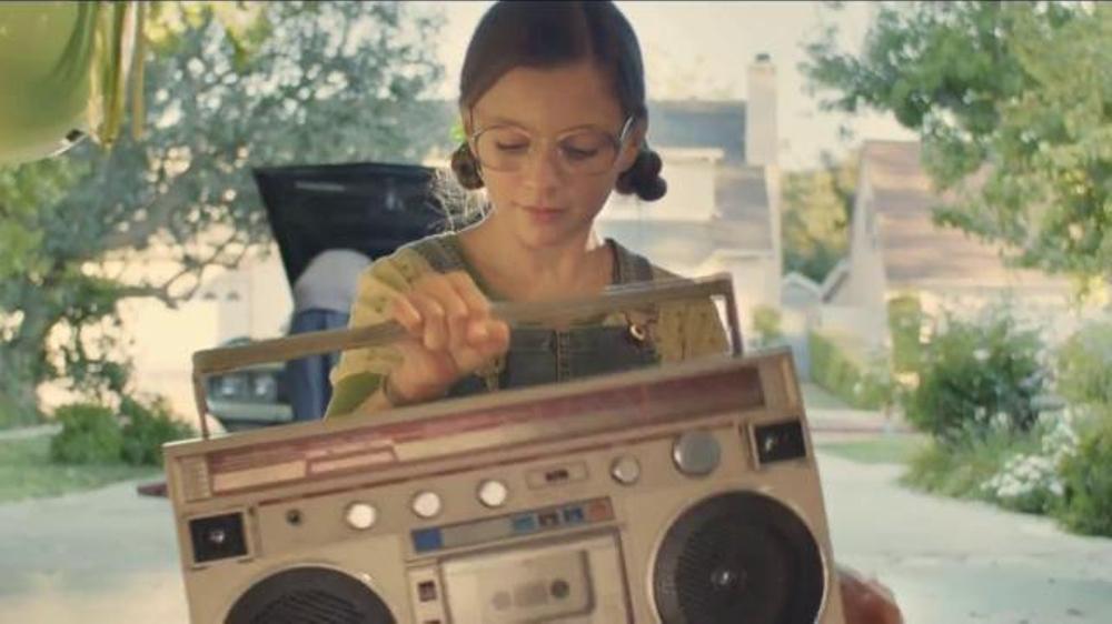 eBay TV Commercial, 'Meet Emma: Fall Fashion'