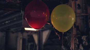 Apple iPhone 7 TV Spot, 'Balloons' Song by Toulouse - Thumbnail 5