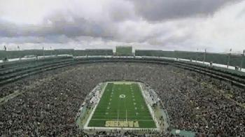 Verizon NFL Mobile TV Spot, 'Pile' Featuring Clay Matthews - Thumbnail 1