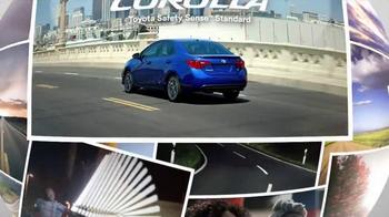 2017 Toyota Corolla TV Spot, 'I Do the New' - Thumbnail 10