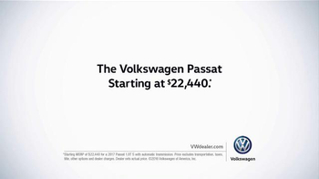 Volkswagen Passat TV Spot, 'The Road' Song by Willie Nelson - Thumbnail 9