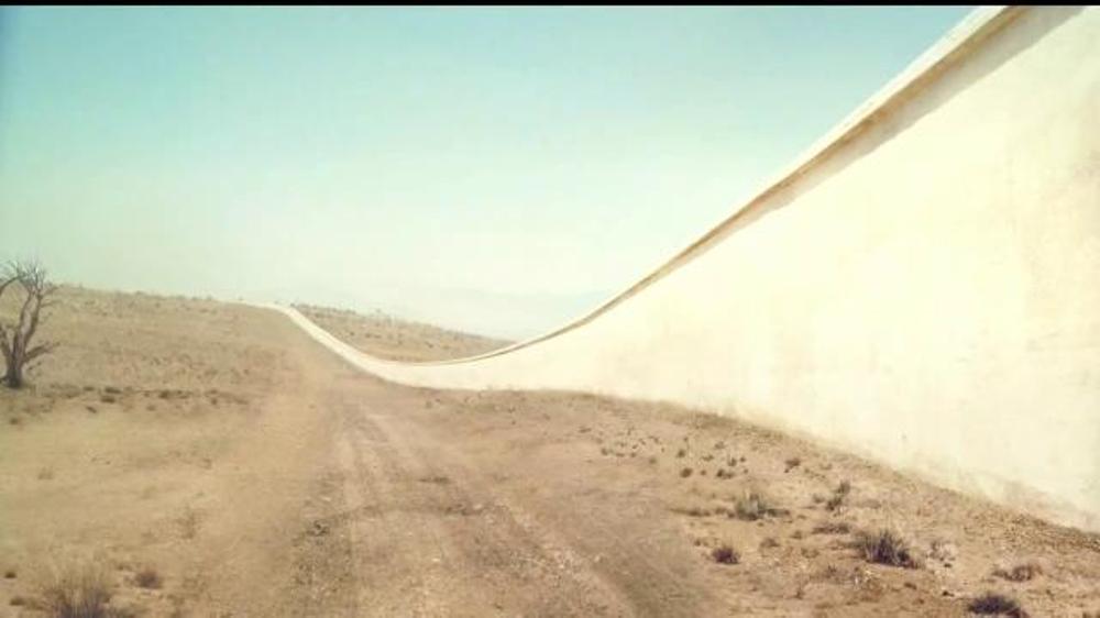 Tecate TV Commercial, 'El muro de cerveza'