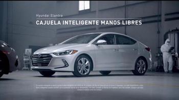 2017 Hyundai Elantra TV Spot, 'Mejor es la razón: crusher' [Spanish] - Thumbnail 3