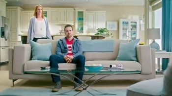 Febreze Fabric Refresher & Pluggables TV Spot, 'Does Your Room Stink?' - Thumbnail 1