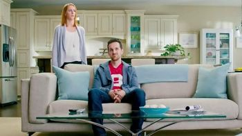 Febreze Fabric Refresher & Pluggables TV Spot, 'Does Your Room Stink?' - Thumbnail 4