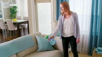 Febreze Fabric Refresher & Pluggables TV Spot, 'Does Your Room Stink?' - Thumbnail 5