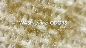 Febreze Fabric Refresher & Pluggables TV Spot, 'Does Your Room Stink?' - Thumbnail 6