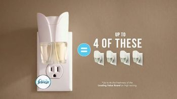 Febreze Fabric Refresher & Pluggables TV Spot, 'Does Your Room Stink?' - Thumbnail 9