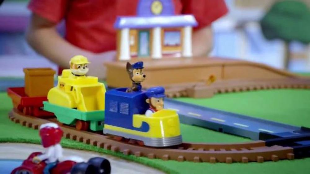 Paw Patrol Adventure Bay Railway Track Set TV Commercial, 'Real Motorized Train'