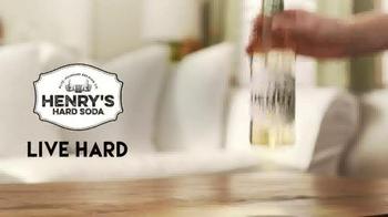 Henry's Hard Soda TV Spot, 'Fountain' - Thumbnail 9