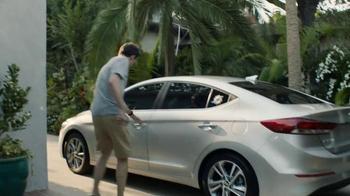 2017 Hyundai Elantra TV Spot, 'NFL Sponsorship: Fishing Trip' - Thumbnail 4