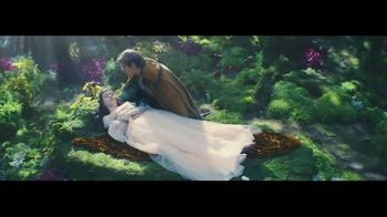 GEICO TV Spot, 'Sleeping Beauty: It's What You Do' - Thumbnail 3