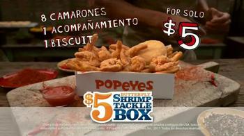 Popeyes $5 Butterfly Shrimp Tackle Box TV Spot, 'Soy flamingo' [Spanish] - Thumbnail 10