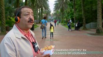 Popeyes $5 Butterfly Shrimp Tackle Box TV Spot, 'Soy flamingo' [Spanish] - Thumbnail 2