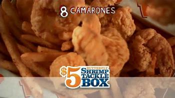 Popeyes $5 Butterfly Shrimp Tackle Box TV Spot, 'Soy flamingo' [Spanish] - Thumbnail 7