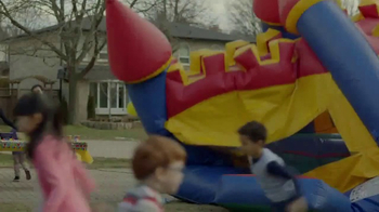 Kraft Macaroni & Cheese TV Spot, 'Bounce House' - Thumbnail 3