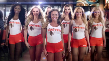 Hooters TV Spot, 'Race Day in America' Featuring Chase Elliot - Thumbnail 7