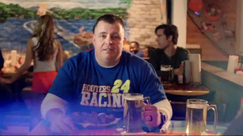 Hooters TV Spot, 'Race Day in America' Featuring Chase Elliot - Thumbnail 6