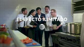 AT&T Datos Ilimitados TV Spot, 'Restaurante: 4 líneas' [Spanish] - Thumbnail 7