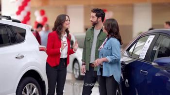Toyota Evento Para Todos TV Spot, 'Todos los modelos: 2017 RAV4' [Spanish] [T2] - Thumbnail 2