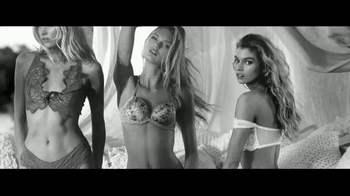 Victoria's Secret Dream Angels Collection TV Spot, 'Getaway' Song by SOHN - Thumbnail 7