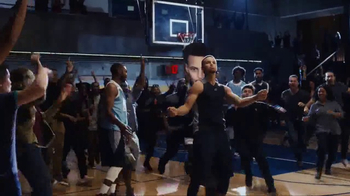 Cytosport Muscle Milk TV Spot, 'Strong Feels Good' Featuring Stephen Curry - Thumbnail 5
