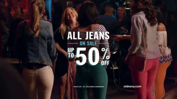 Old Navy TV Spot, 'Girls Night' Featuring Amy Schumer - Thumbnail 8