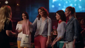 Old Navy TV Spot, 'Girls Night' Featuring Amy Schumer - Thumbnail 4