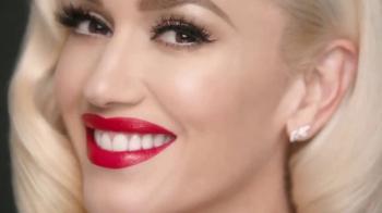 Revlon Super Lustrous Lipstick TV Spot, 'Estilo' con Gwen Stefani [Spanish] - Thumbnail 6