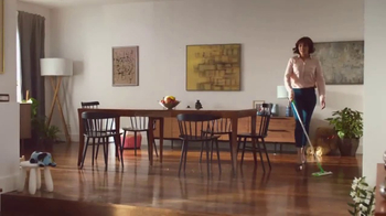 Swiffer Sweeper TV Spot, 'Hair Cuts on Hardwood Floors' - Thumbnail 6