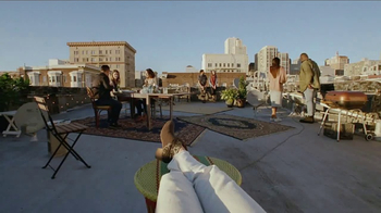 Bank of the West Mobile Banking App TV Spot, 'Rooftop' - Thumbnail 3