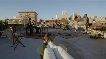 Bank of the West Mobile Banking App TV Spot, 'Rooftop' - Thumbnail 5