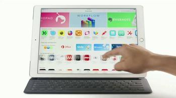 Apple iPad Pro TV Spot, 'Sin virus de PC' [Spanish] - Thumbnail 2