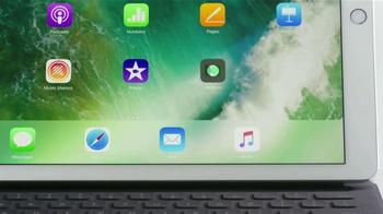 Apple iPad Pro TV Spot, 'Sin virus de PC' [Spanish] - Thumbnail 4