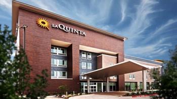 La Quinta Inns and Suites TV Spot, 'Slide Redeem' - Thumbnail 6