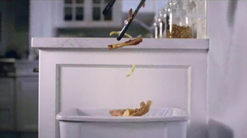 Glad ForceFlex TV Spot, 'Keep Your Dinner Secrets in the Bag' - Thumbnail 2