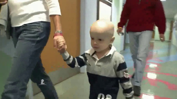 St. Jude Children's Research Hospital TV Spot, 'Alejandro' [Spanish] - Thumbnail 2