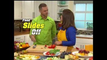 Aero Knife Precision Series TV Spot, 'Slides Right Off' - Thumbnail 1
