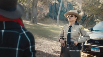 Old Navy TV Spot, 'The Right to Remain Stylish' Feat. Julia Louis-Dreyfus - Thumbnail 4