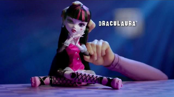 Monster High Extra Tall Ghouls TV Spot, 'Extra Large Fashion' - Thumbnail 5