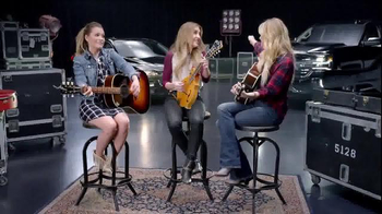 Chevrolet TV Spot, 'ABC: 2015 CMA Awards' Featuring Kelsea Ballerini - Thumbnail 9