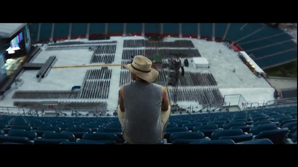 Apple Music TV Commercial, 'Blood, Sweat and Tears' Featuring Kenny Chesney