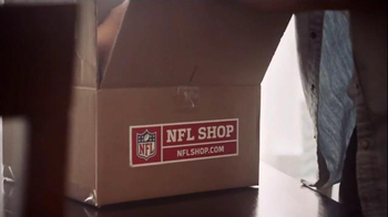 NFL Shop TV Spot, 'Bad Gifts' - Thumbnail 5