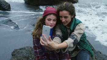 Apple iPhone 6s TV Spot, 'La cámara' con Stephen Curry [Spanish] - Thumbnail 1