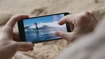 Apple iPhone 6s TV Spot, 'La cámara' con Stephen Curry [Spanish] - Thumbnail 7