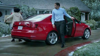 Volkswagen Sign Then Drive Event TV Spot, 'Gifts for the Family' - Thumbnail 7