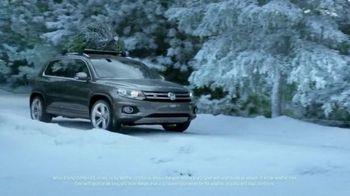 Volkswagen Sign Then Drive Event TV Spot, 'Christmas Tree Farm' - Thumbnail 3